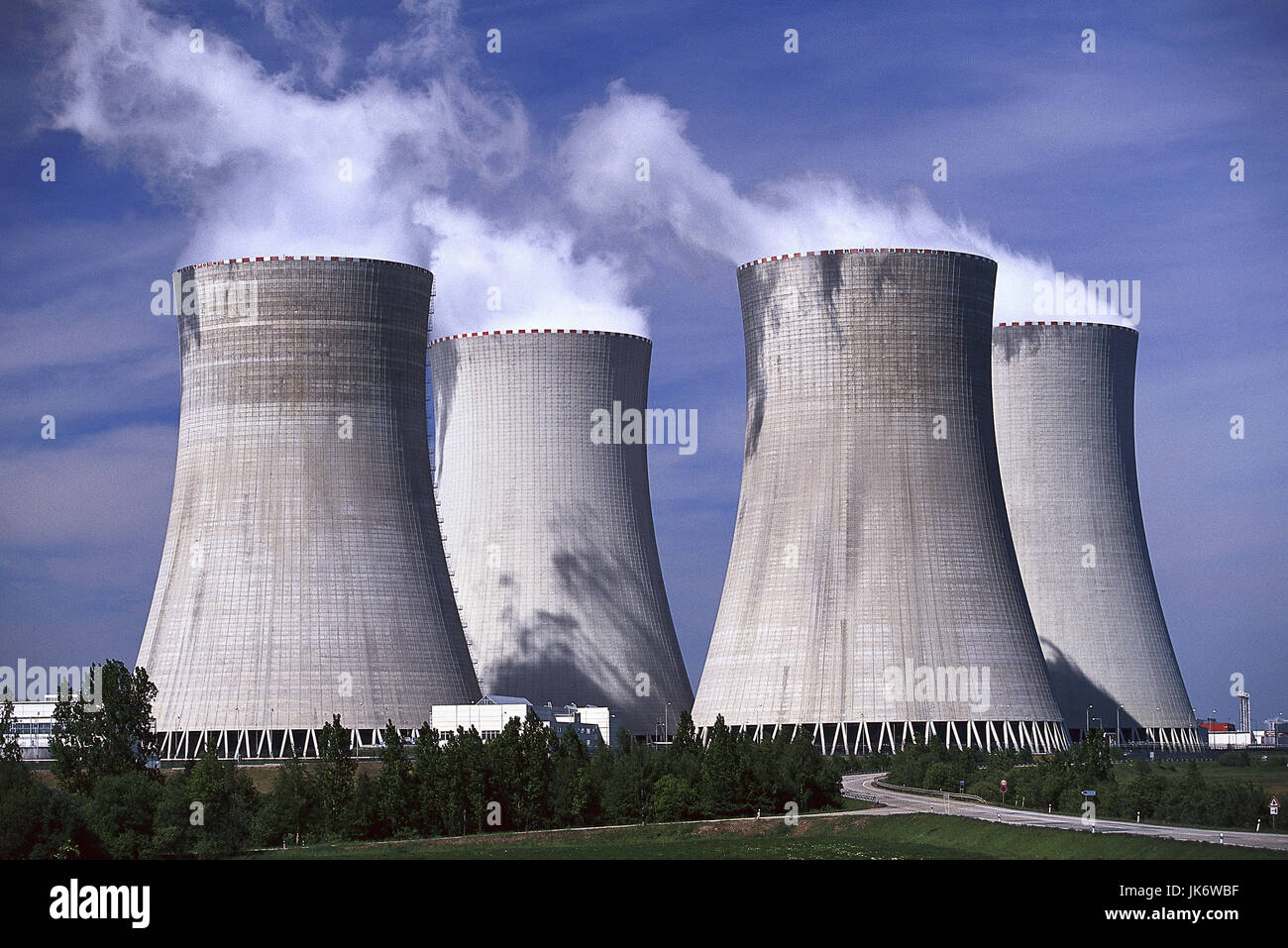 Tschechische Republik, Südböhmen,  Temelin, Atomkraftwerk, Kühltürme  Europa, Osteuropa, Tschechien, - Stock Image