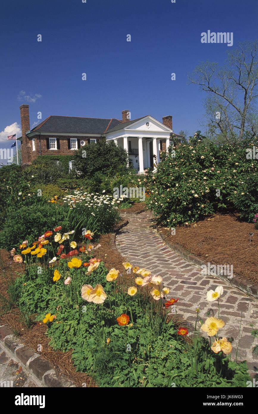 USA, South Carolina, Mt. Pleasant,  Boone Hall Plantation,  Haus, Garten, Weg Vereinigte Staaten, Nordamerika, Südstaaten, Stock Photo