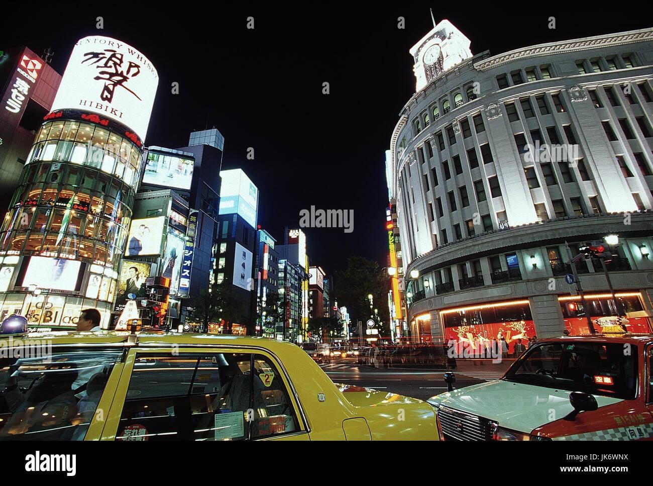 Japan, Tokio, Ginza, Stadtansicht, Straßenverkehr, Nacht  außen, Tokyo-to, Stadt, Stadtteil, Vergnügungsviertel, - Stock Image