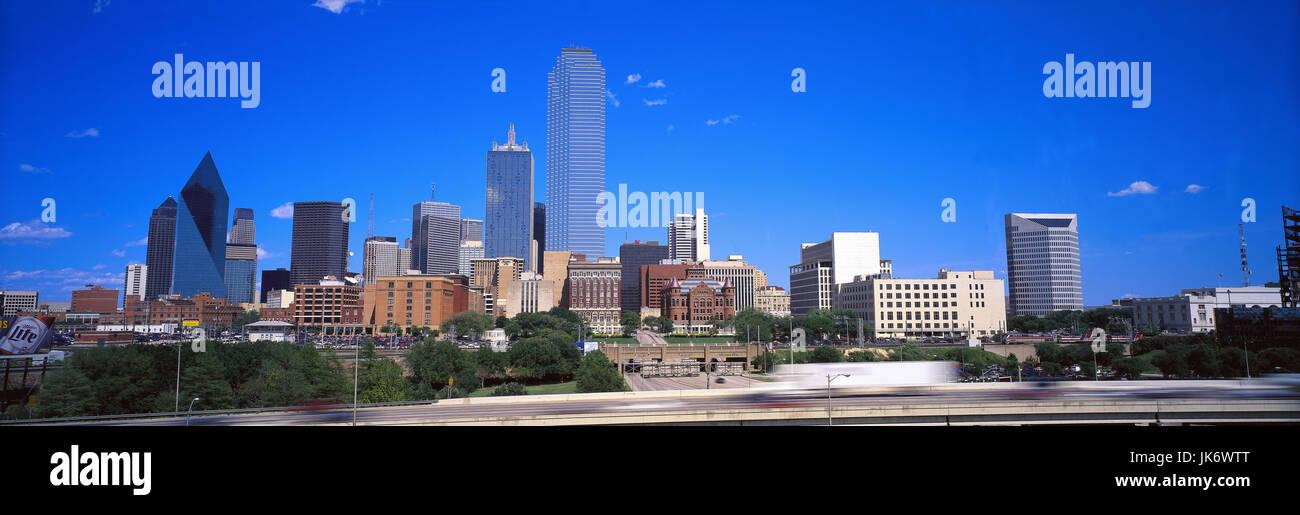 USA, Bundesstaat Texas, Dallas,  Skyline, Panorama  Vereinigte Staaten von Amerika, Stemmons Freeway, Blick, Stadtansicht, - Stock Image