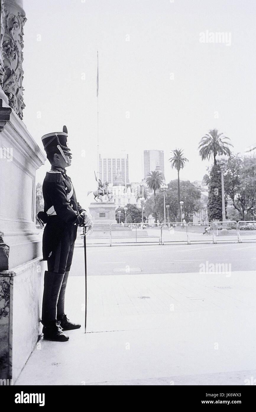 Argentinien, Buenos Aires, Casa Rosada, Palastwache, s/w  Südamerika, Hauptstadt, Präsidentenpalast, Palast, - Stock Image
