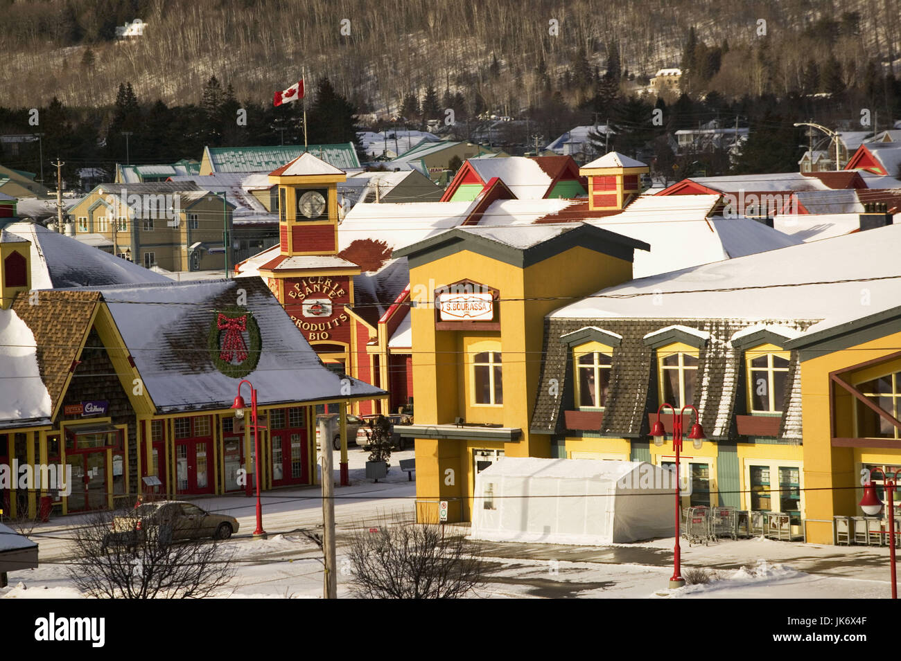 Kanada, Quebec, Laurentian Mountains, Saint-Sauveur, Stadtansicht, Winter   Nordamerika, Canada, Laurentian Highlands, - Stock Image