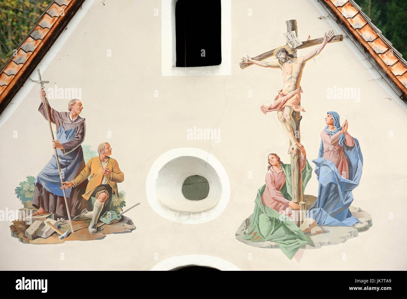 Chapel with paintings, Klais, Werdenfelser Land, Bavaria, Germany | Kapelle mit Lueftlmalerei, Klais, Werdenfelser Stock Photo