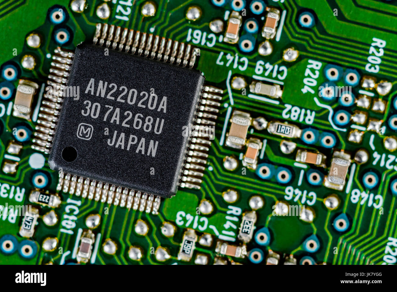 surface mount technology smt components on a green printed circuit rh alamy com circuit board wiring connectors circuit board wiring colors
