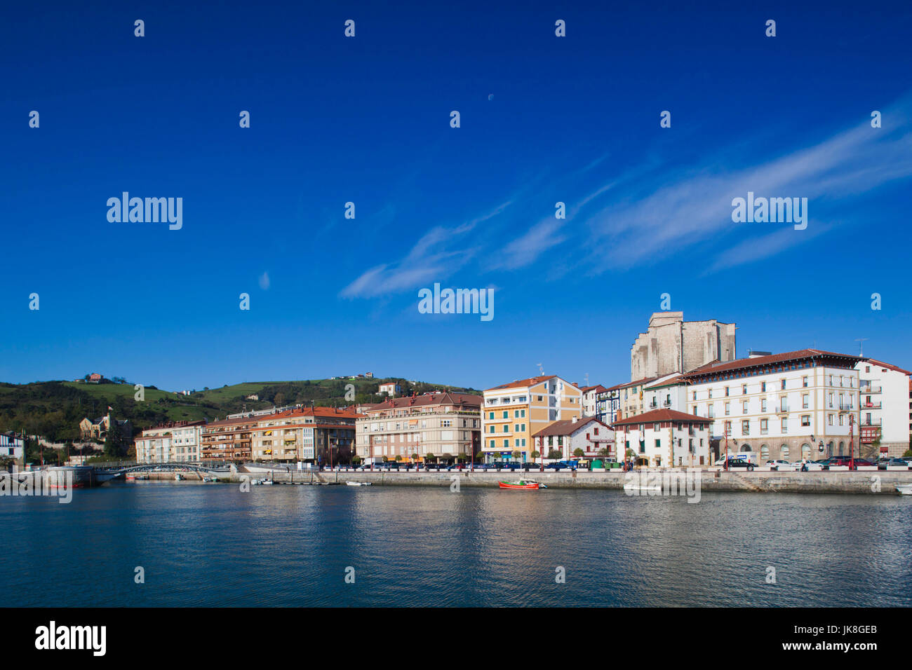 Spain, Basque Country Region, Guipuzcoa Province, Zumaia, waterfront view of town - Stock Image