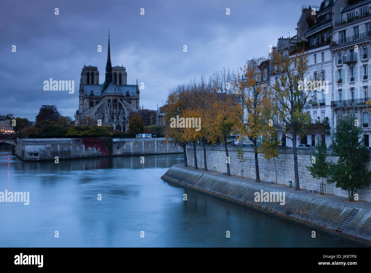 France, Paris, Cathedral Notre Dame cathedral and Ile St-Louis, dawn - Stock Image