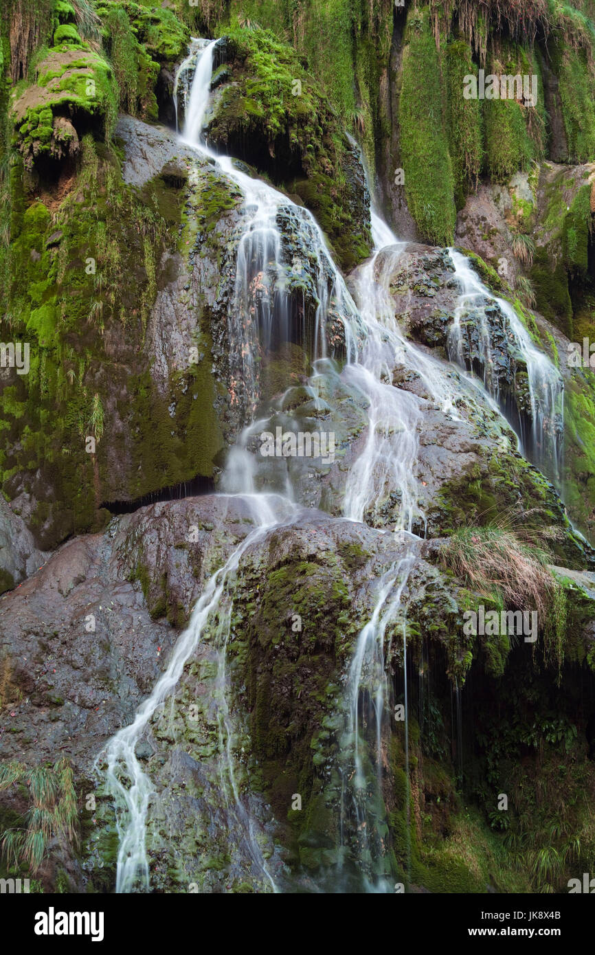 France, Jura Department, Franche-Comte Region, Les Reculees valley area, Baume-les-Messieurs, waterfall - Stock Image