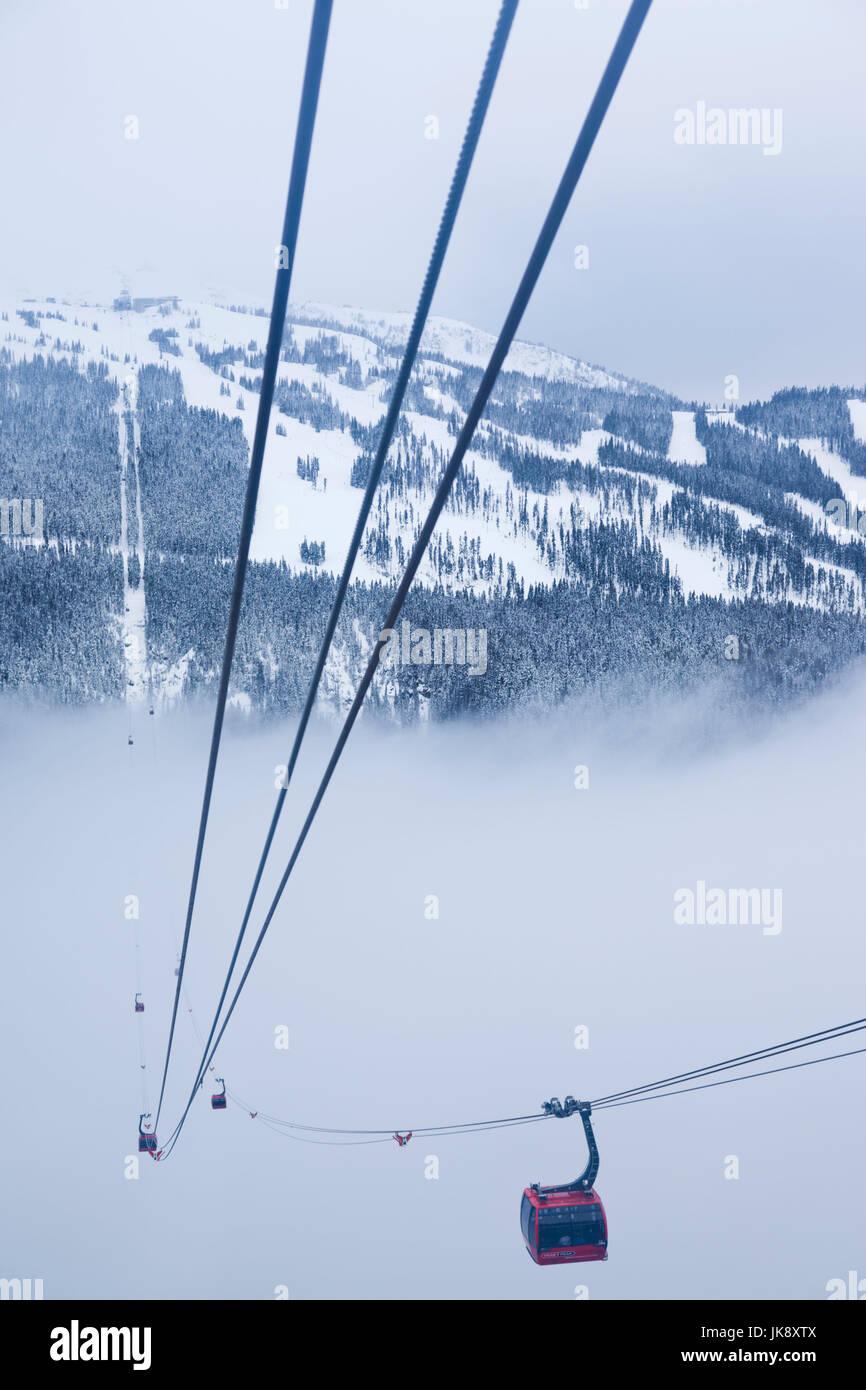 Canada, British Columbia, Whistler, Peak 2 Peak Gondola between Whistler and Blackcomb Mountains, winter Stock Photo