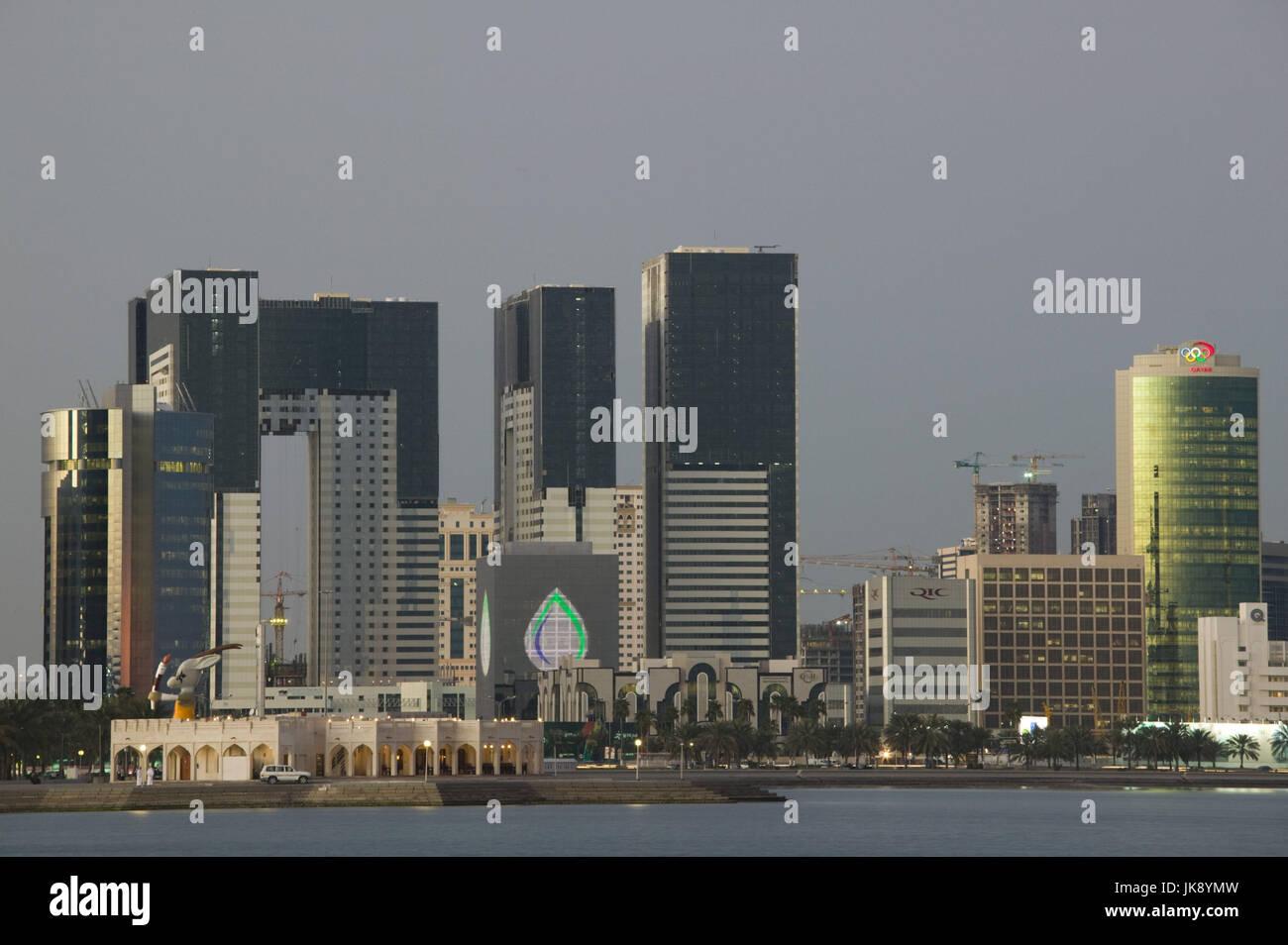 Katar, Doha, West Bay, Stadtansicht, Abenddämmerung, Stock Photo