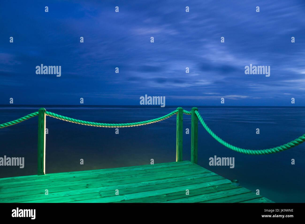 Cayman Islands, Cayman Brac, Westküste,  Brac Reef Beach Resort, Meer,  Holzsteg, Abend, Detail,  ABC-Inseln, - Stock Image