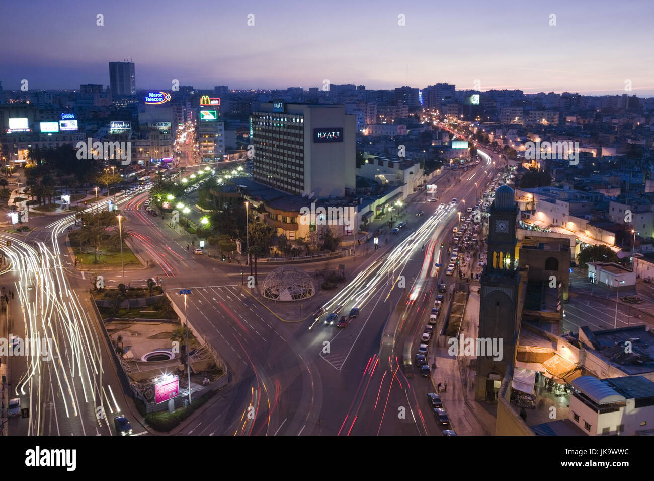 Marokko, Casablanca, Platz der Vereinten  Nationen, Straßen, Verkehr, Lichtspuren,  Abend,  Stadt, Zentrum, - Stock Image