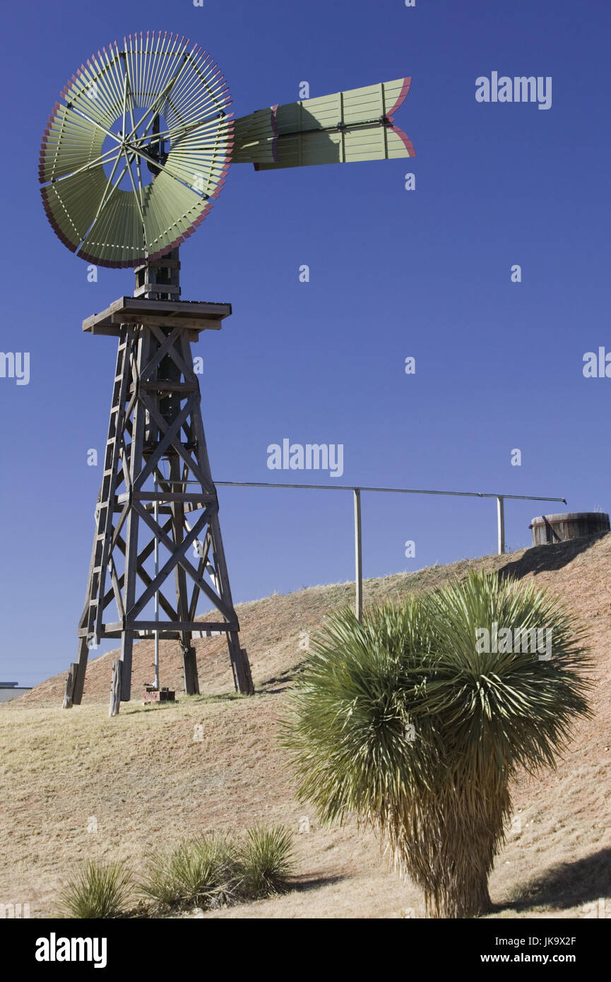 "USA, Texas, Lubbock, 'National Ranching  Heritage Cente"", Windrad, Stock Photo"