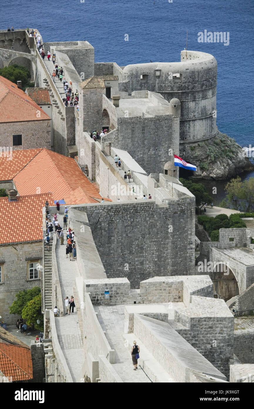 Kroatien, Dubrovnik, Altstadt, Stadtmauern, Touristen, - Stock Image