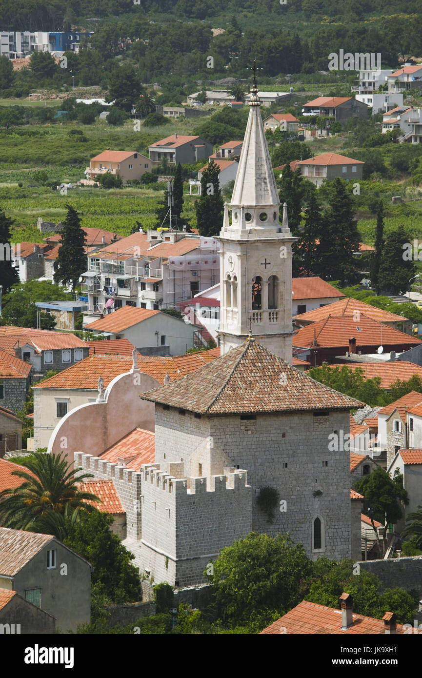 Kroatien, Insel Hvar, Jelsa, Ortsansicht, Kirche, - Stock Image