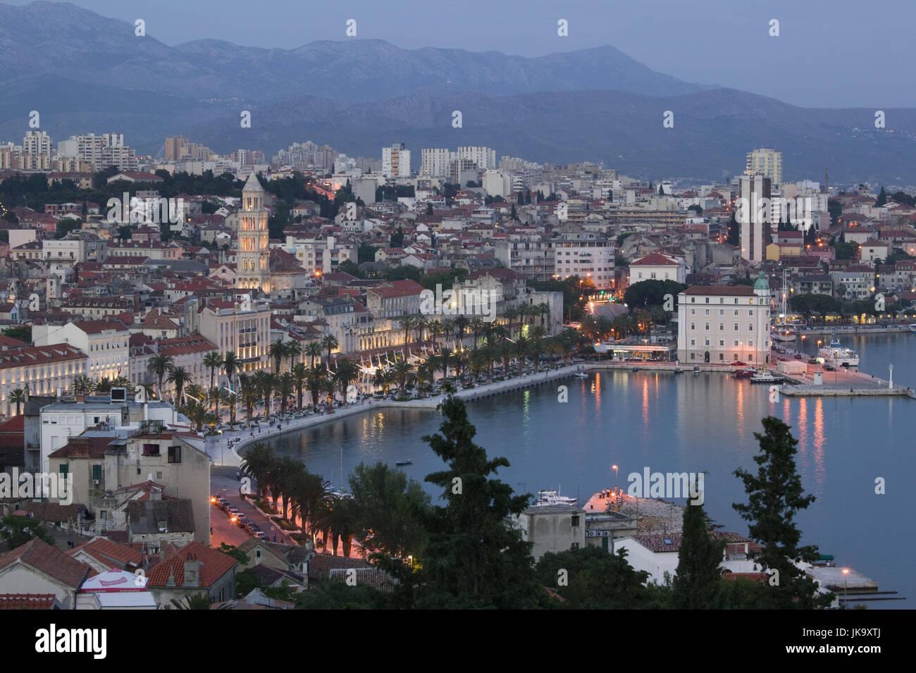 Kroatien, Split, Stadtansicht, Lichter, Abend, - Stock Image