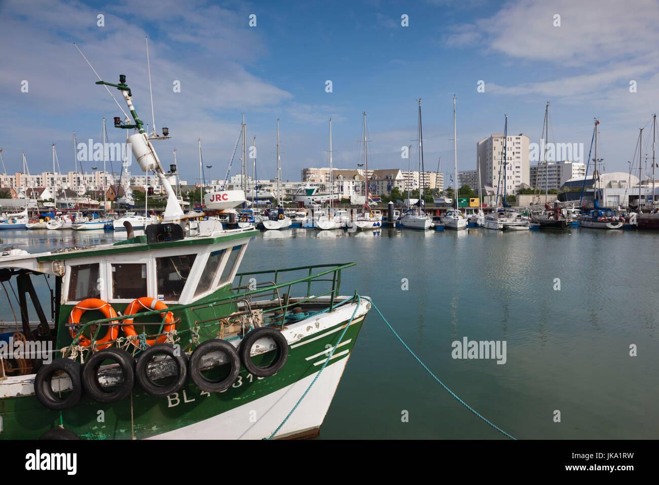 France, Nord-Pas de Calais Region, Pas de Calais Department, Calais, port view - Stock Image