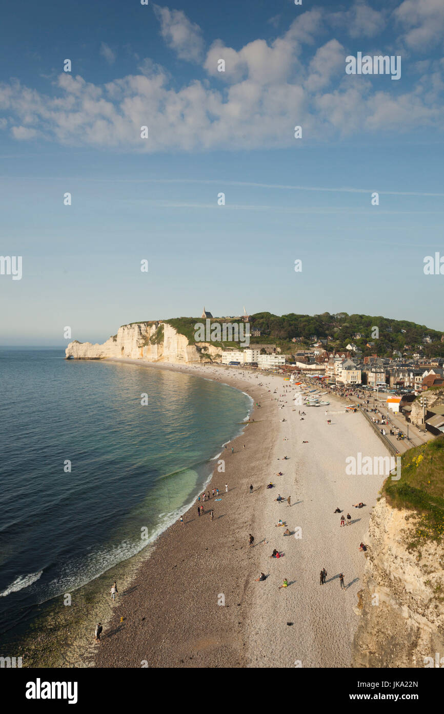 France, Normandy Region, Seine-Maritime Department, Etretat, elevated view of town beach - Stock Image