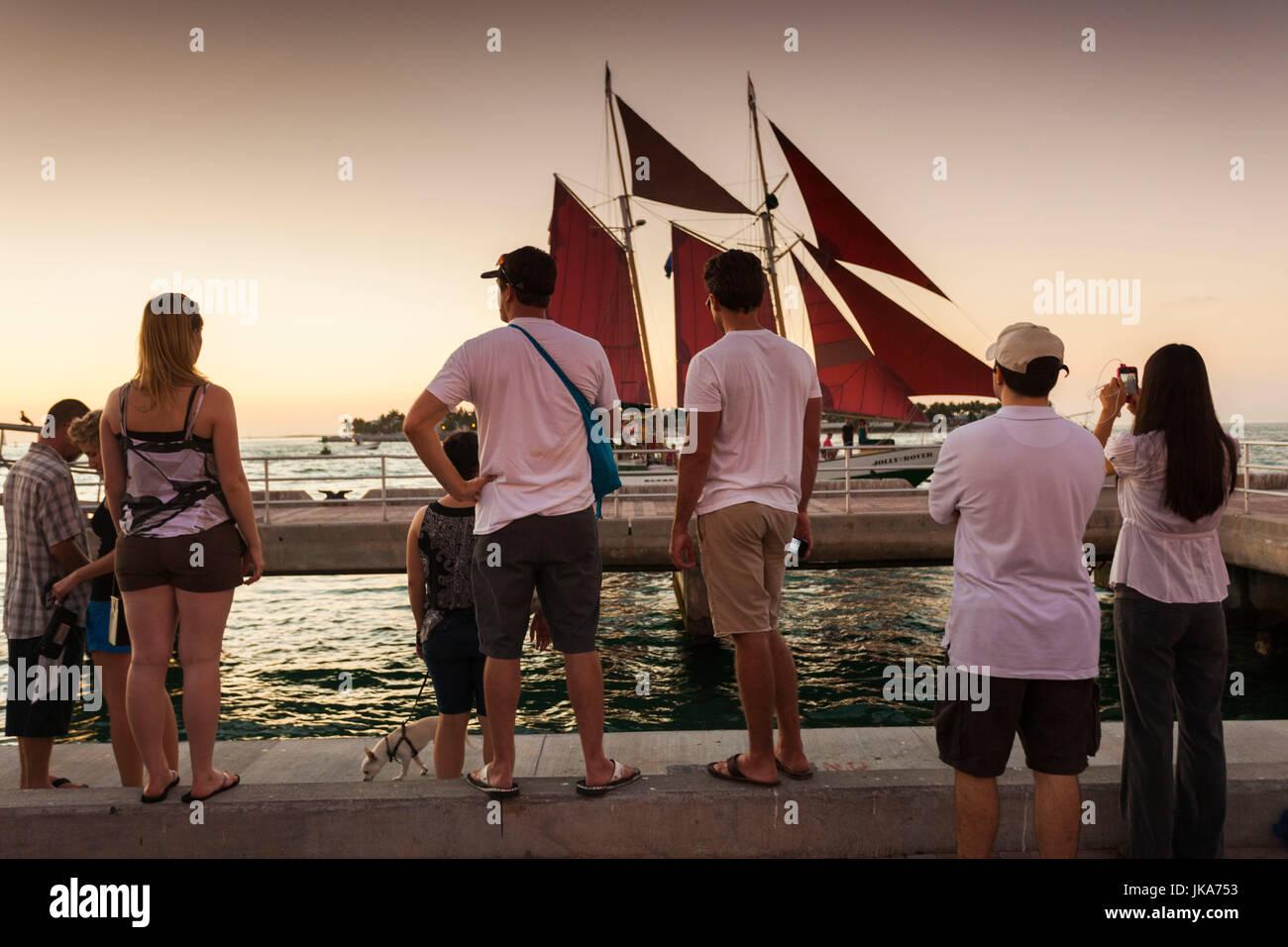 USA, Florida, Florida Keys, Key West, Mallory Square, daily sunset party, - Stock Image