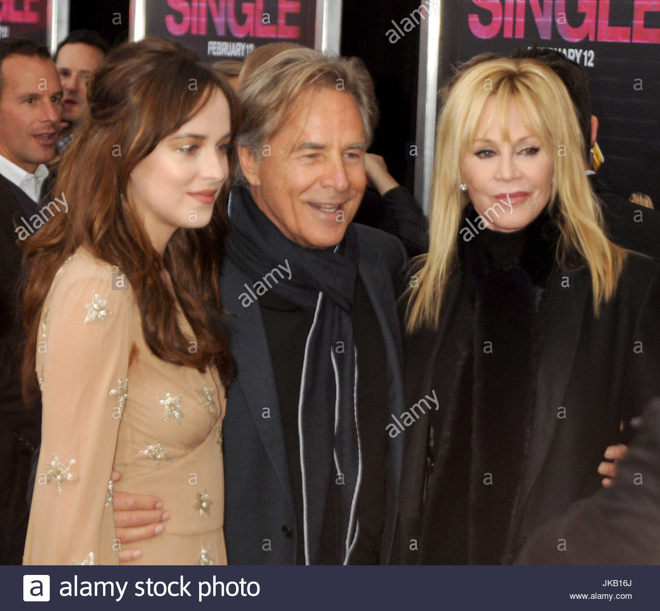 Dakota johnson don johnson and melanie griffith actress dakota actress dakota johnson arrives on the red carpet with her parents and half brother at the world premiere of her new film how to be single ccuart