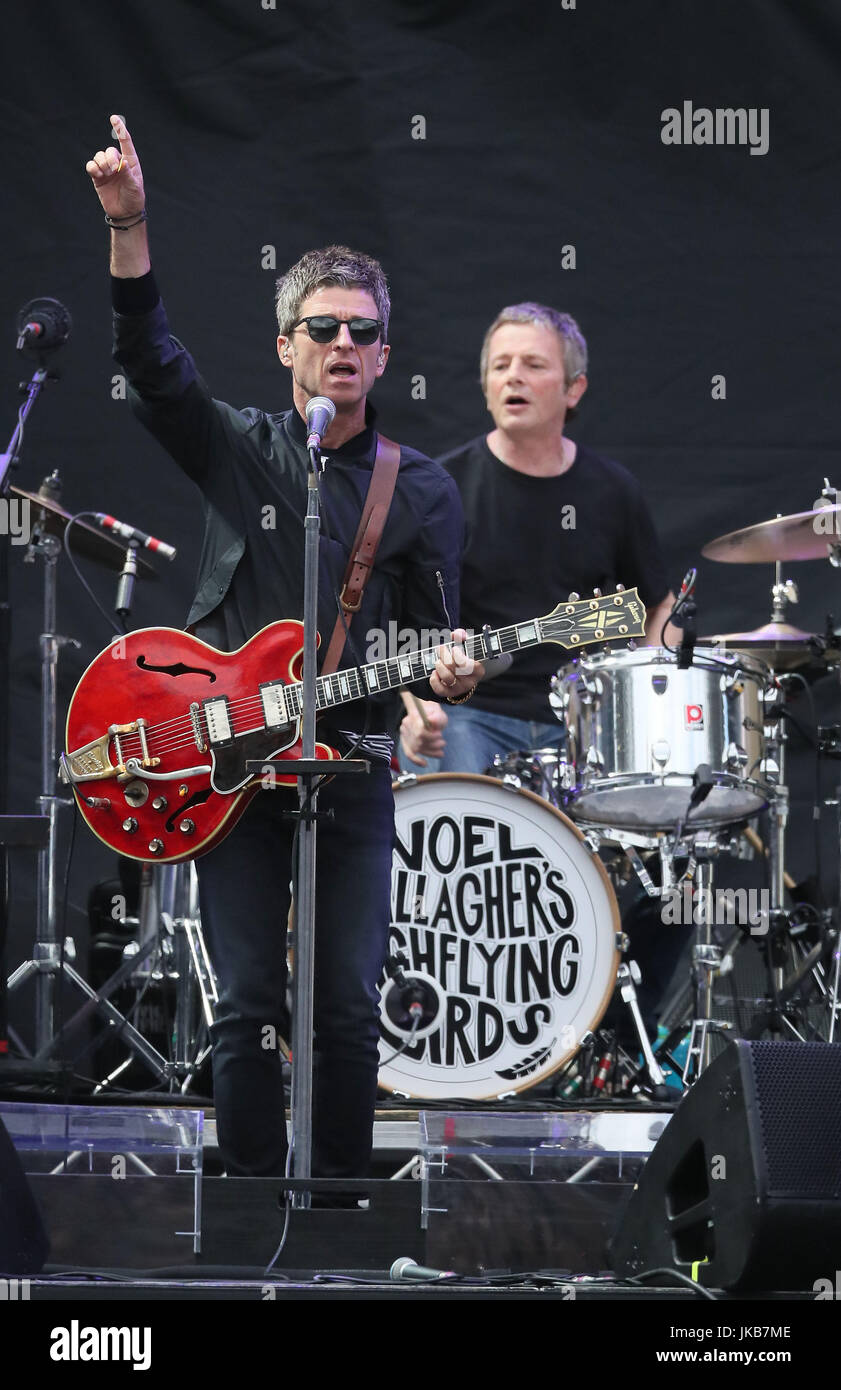 support act noel gallagher 39 s high flying birds performing on stage at stock photo 149608942 alamy. Black Bedroom Furniture Sets. Home Design Ideas