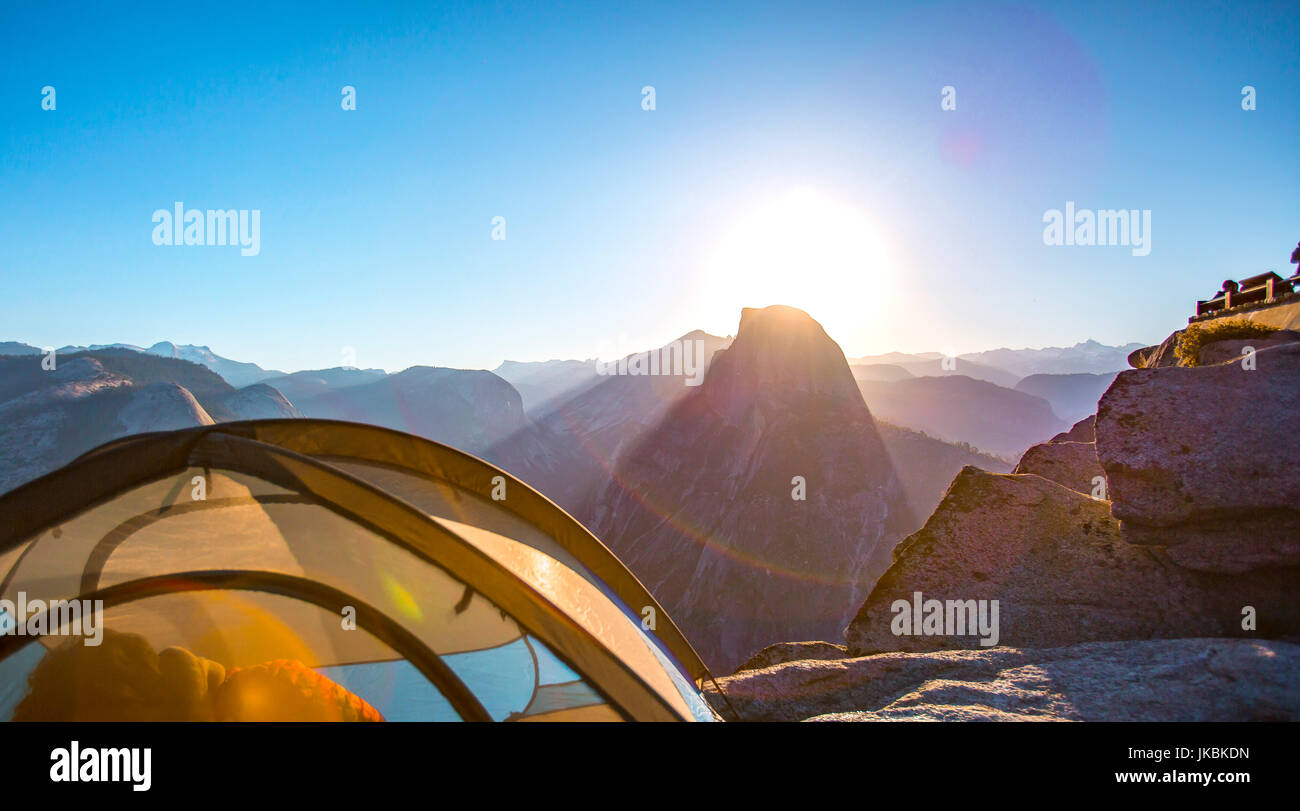 Camping in Yosemite on a prime locatioin - Stock Image