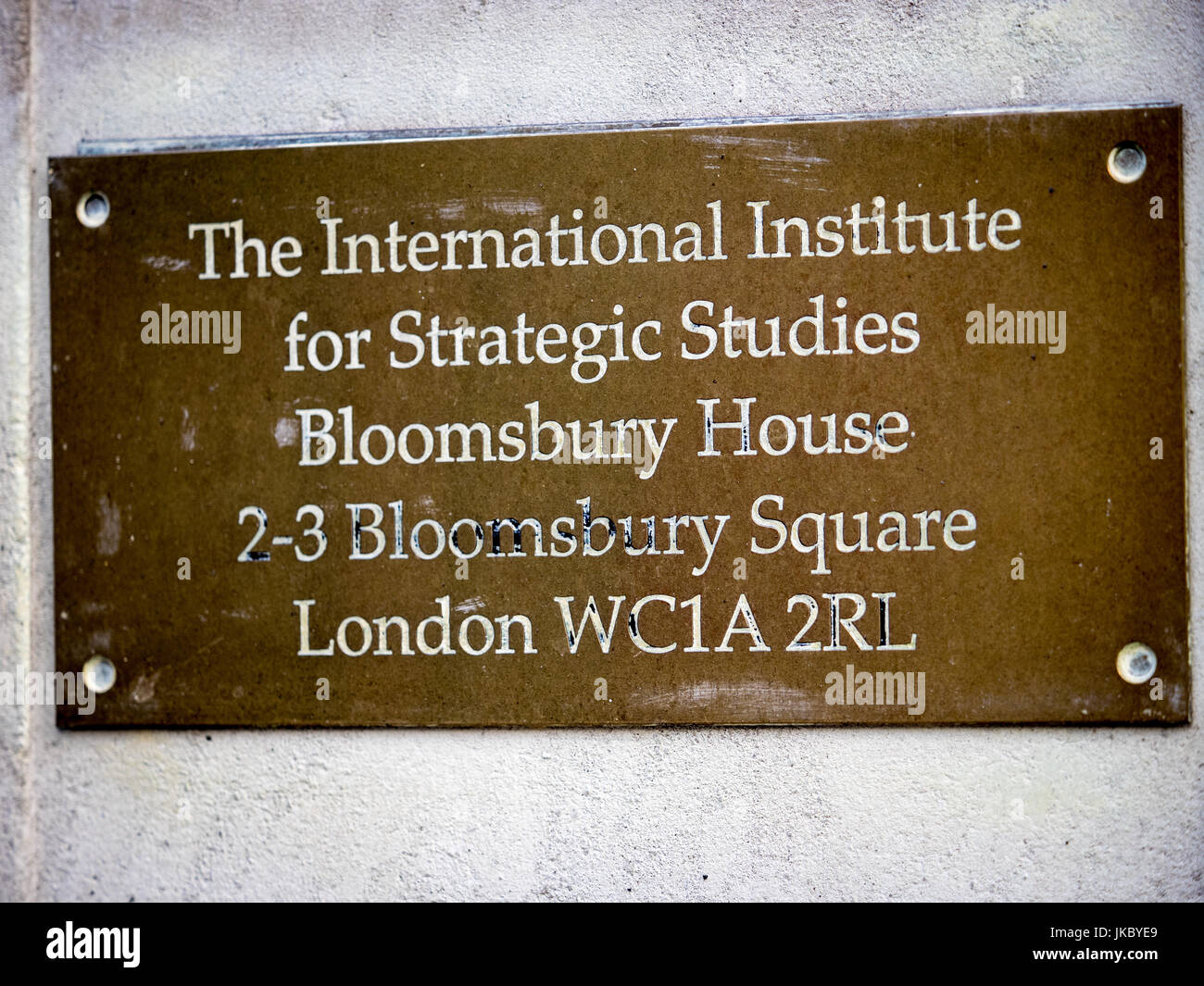 IISS The International Institute for Strategic Studies  - sign outside the offices of the IISS in Bloomsbury Square, - Stock Image