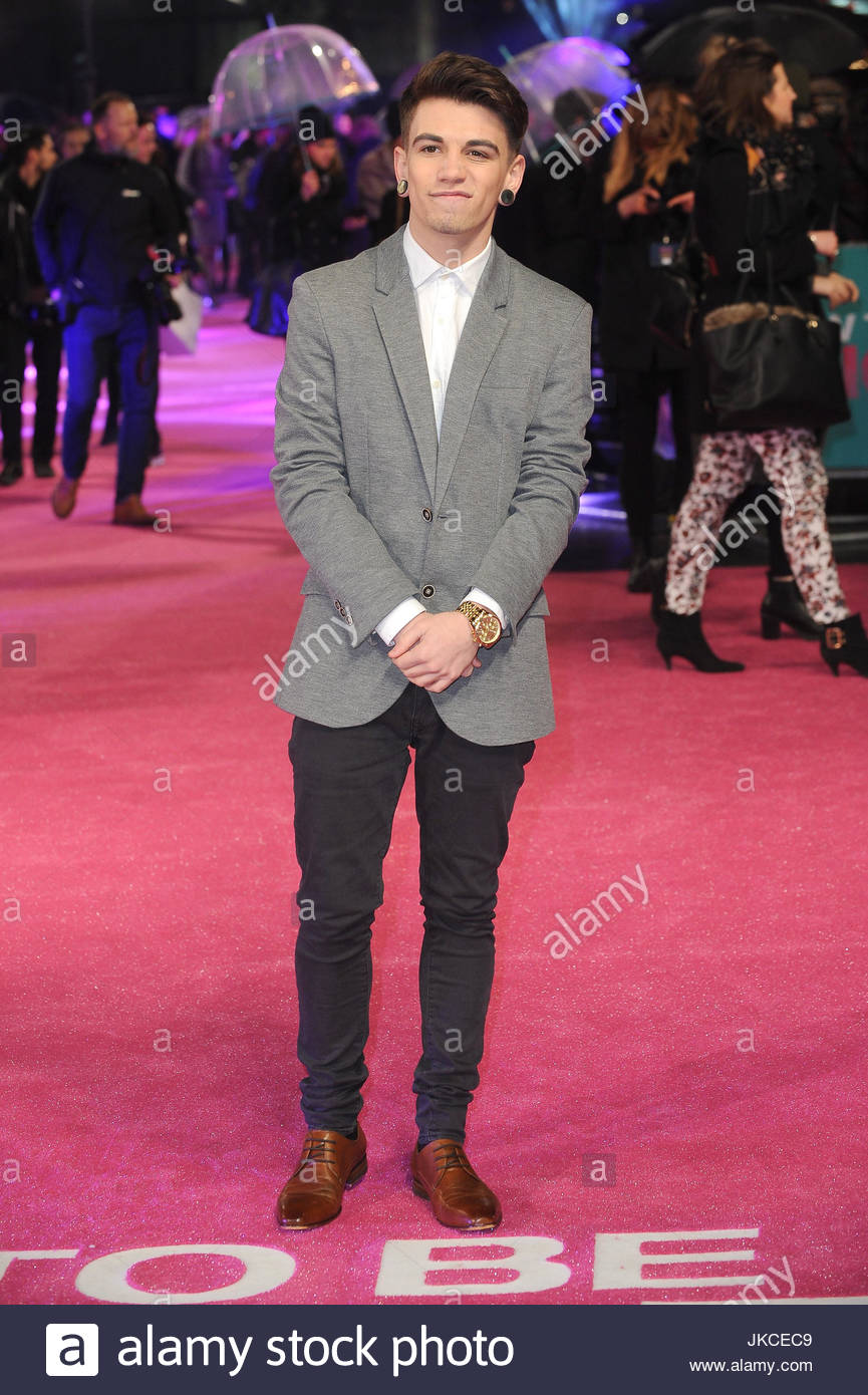 Jake sims the uk premiere of how to be single at vue west end in jake sims the uk premiere of how to be single at vue west end in london ccuart Images