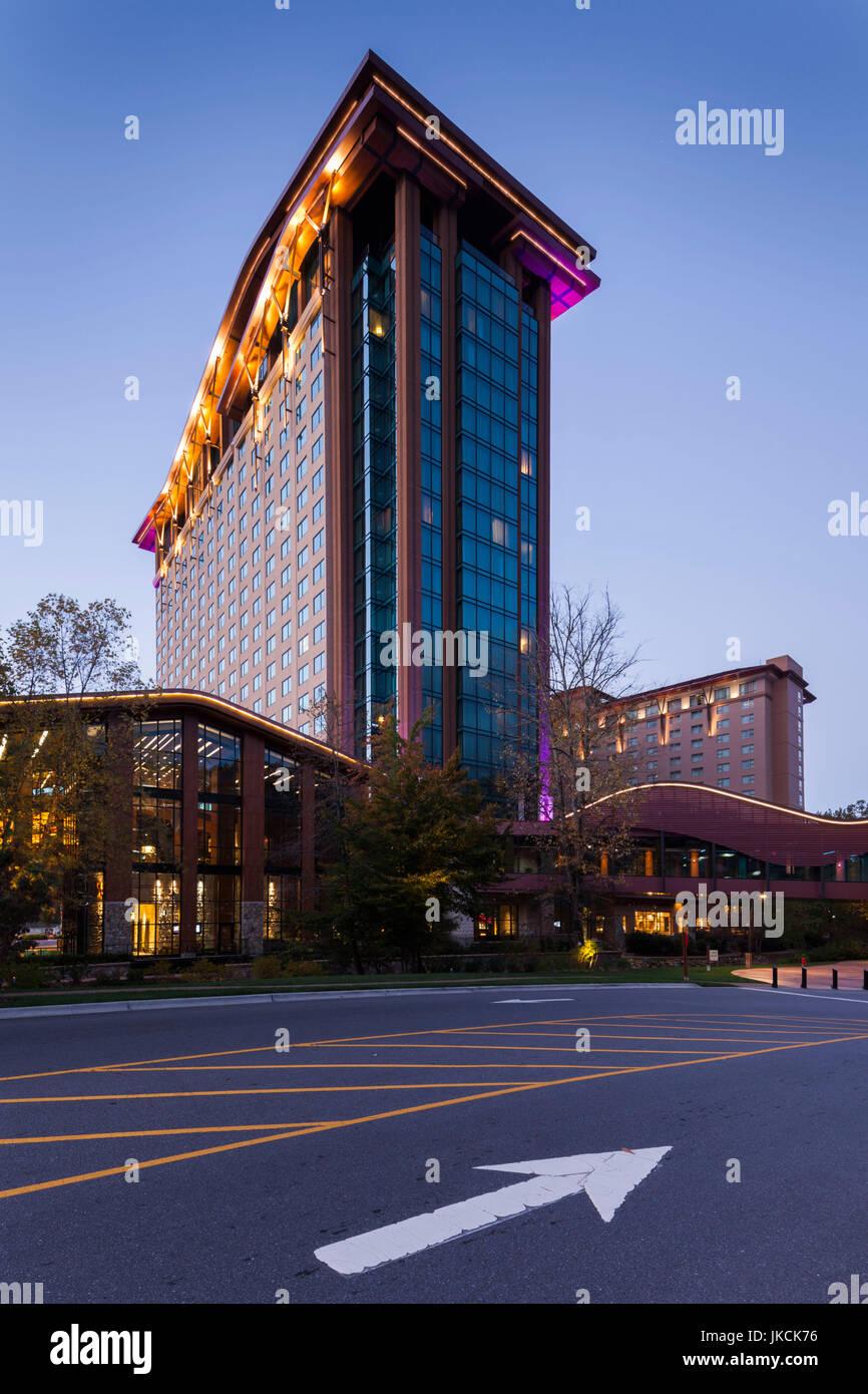 USA, North Carolina, Cherokee, Cherokee Indian Reservation, Harrah's Cherokee Casino, dawn - Stock Image