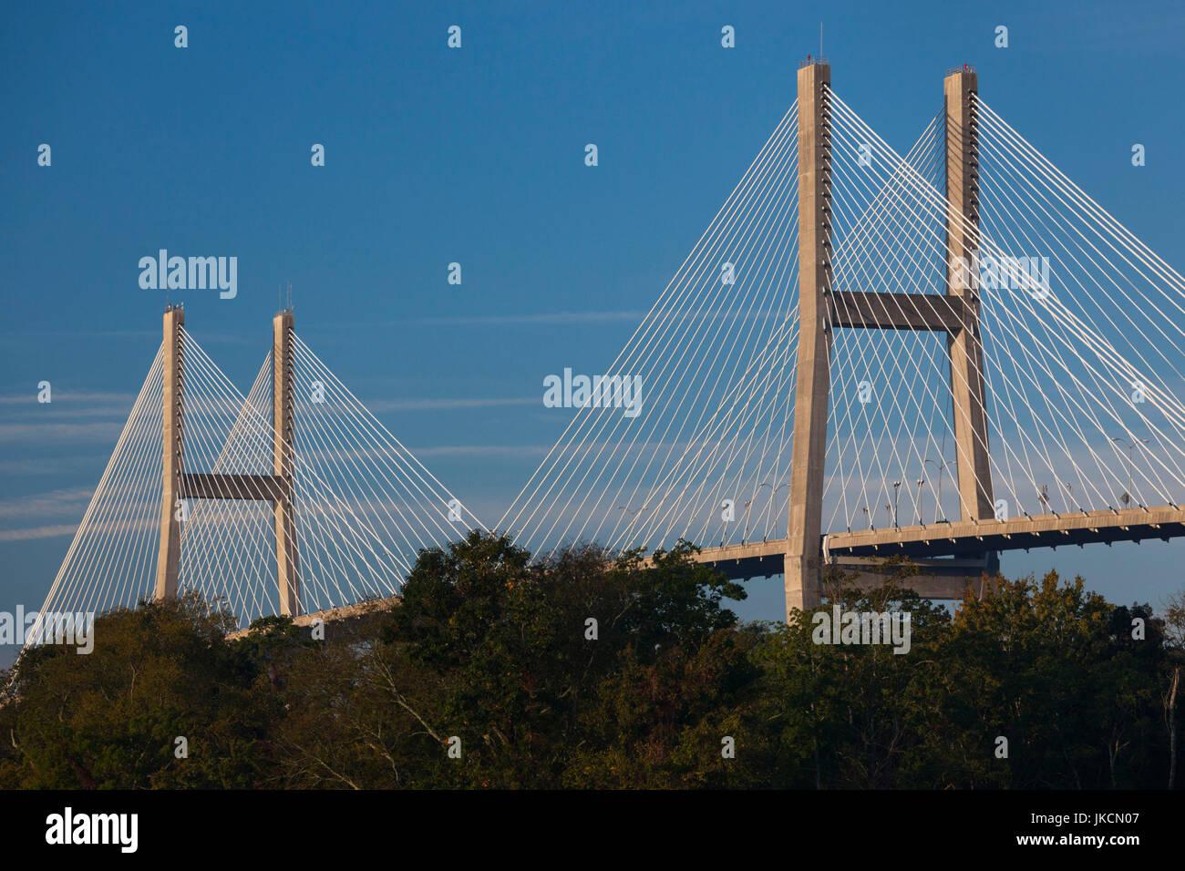 USA, Georgia, Savannah, Eugene Talmadge Memorial Bridge - Stock Image