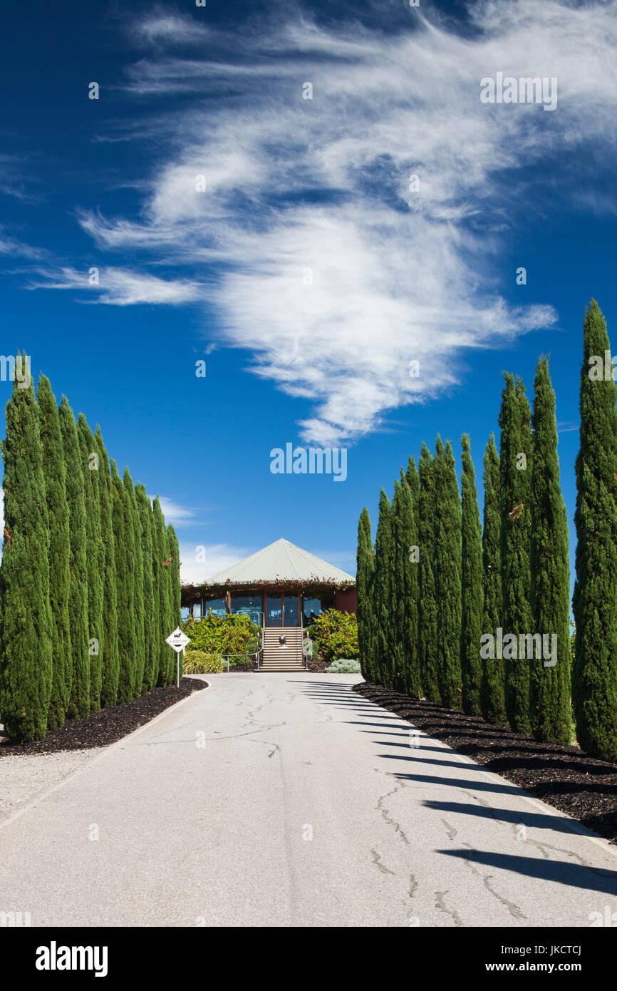 Australia, South Australia, Fleurieu Peninsula, McLaren Vale Wine Region, McLaren Vale, Hugh Hamilton Winery, wine - Stock Image