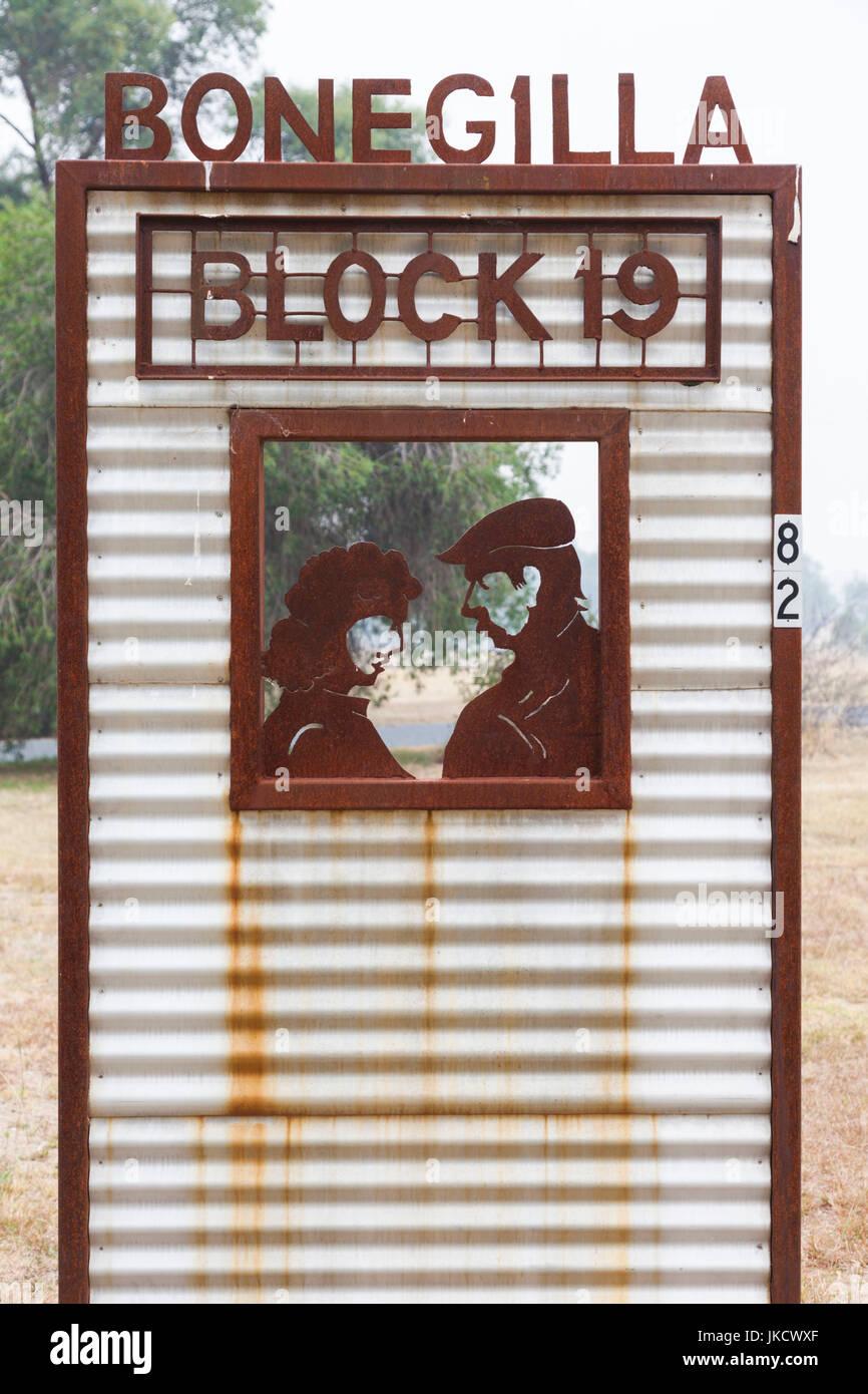 Australia, Victoria, VIC, Bonegilla, The Bonegilla Migrant Experience, post-WW2 immigrant facility, roadside sign - Stock Image