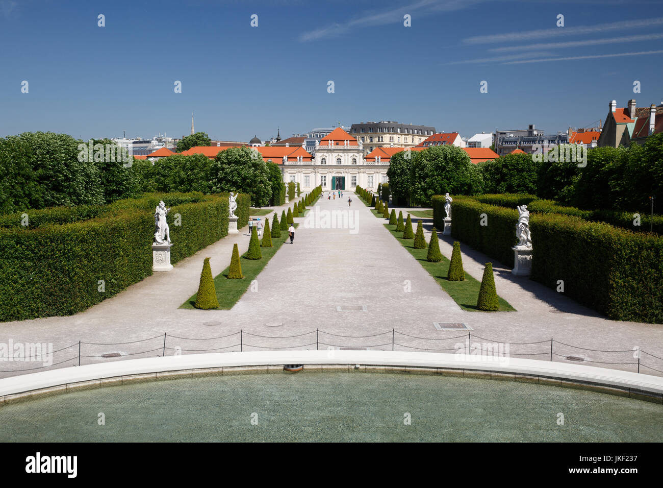 18 MAY 2017, VIENNA, AUSTRIA: beautiful view of the garden and the lower Belvedere Palace - Stock Image