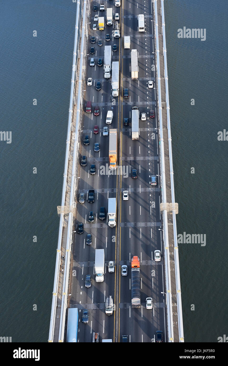 USA, New York City, traffic from Fort Lee across the Hudson River, aerial view - Stock Image