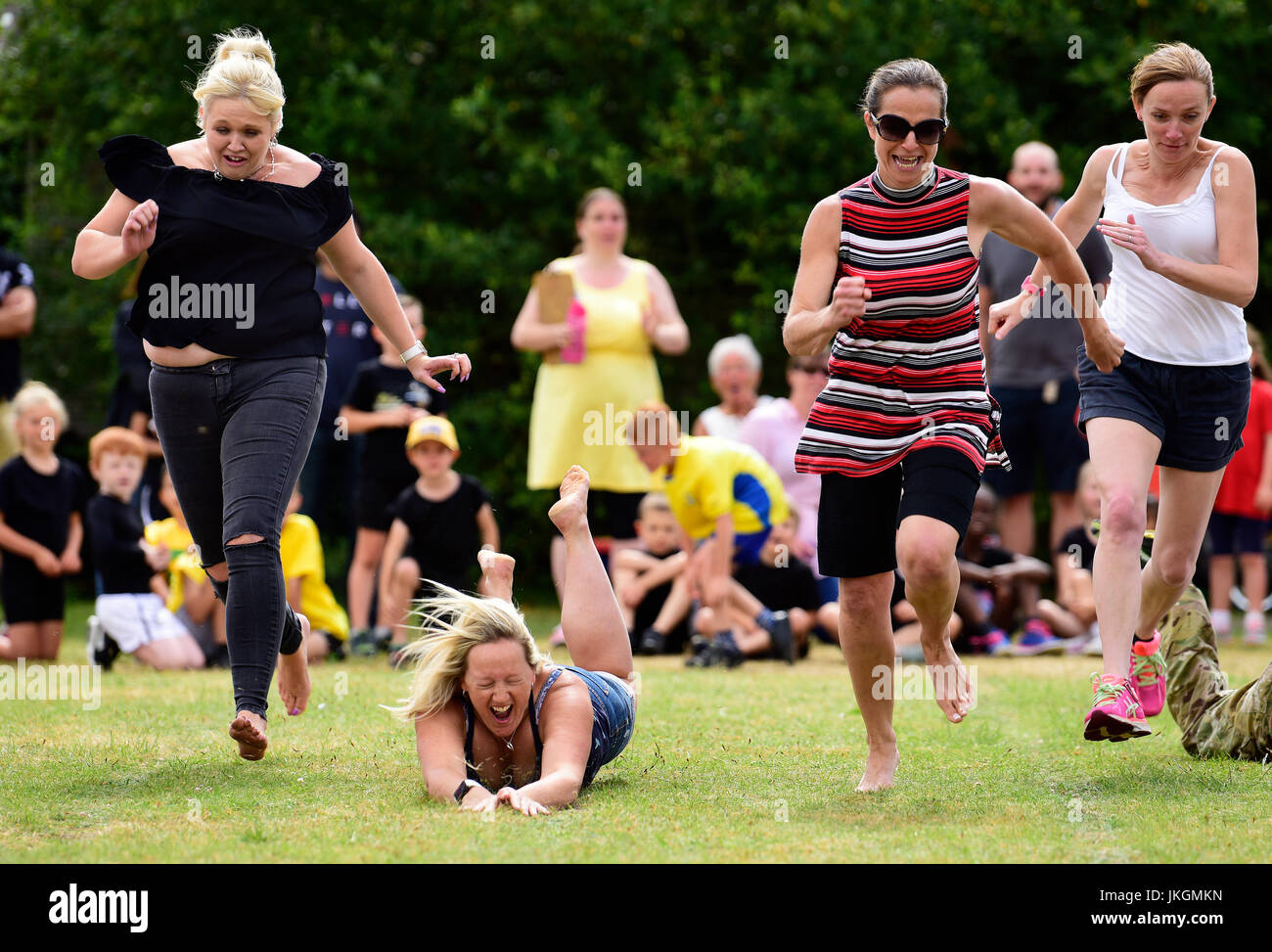 Mum's race event at an infants school sports day, Bordon, Hampshire, UK. 14 July 2017. - Stock Image