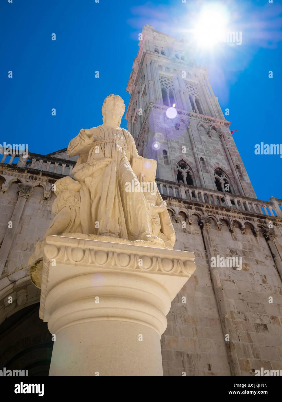 Kroatien, Adriaküste, Dalmatien, Region Split, Altstadt Trogir, UNESCO Weltkulturerbe, Kathedrale Sveti Lovro - Stock Image