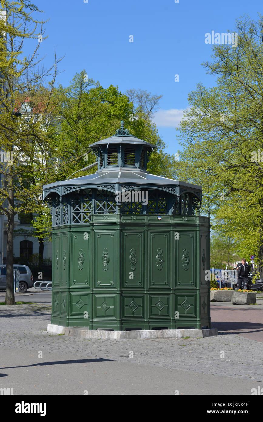 Urinal, Berlin street, Tegel, village Reinicken, Berlin, Germany, Berliner Strasse, Reinickendorf, Deutschland - Stock Image