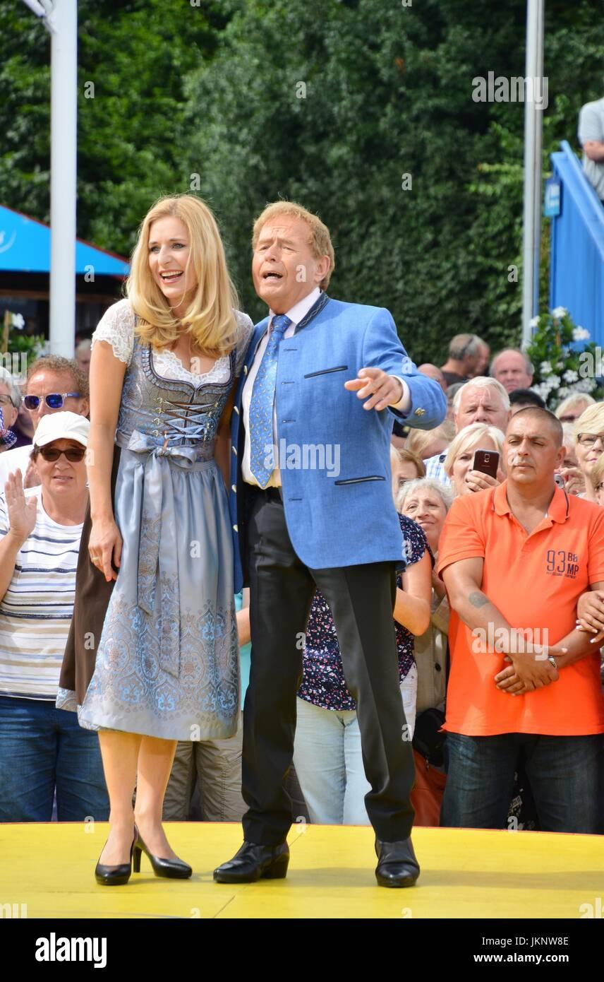 Rust, Germany, 23th July, 2017, Das Erste ARD TV Show 'Immer wieder Sonntags'  Featuring Stefanie Hertel - Stock Image