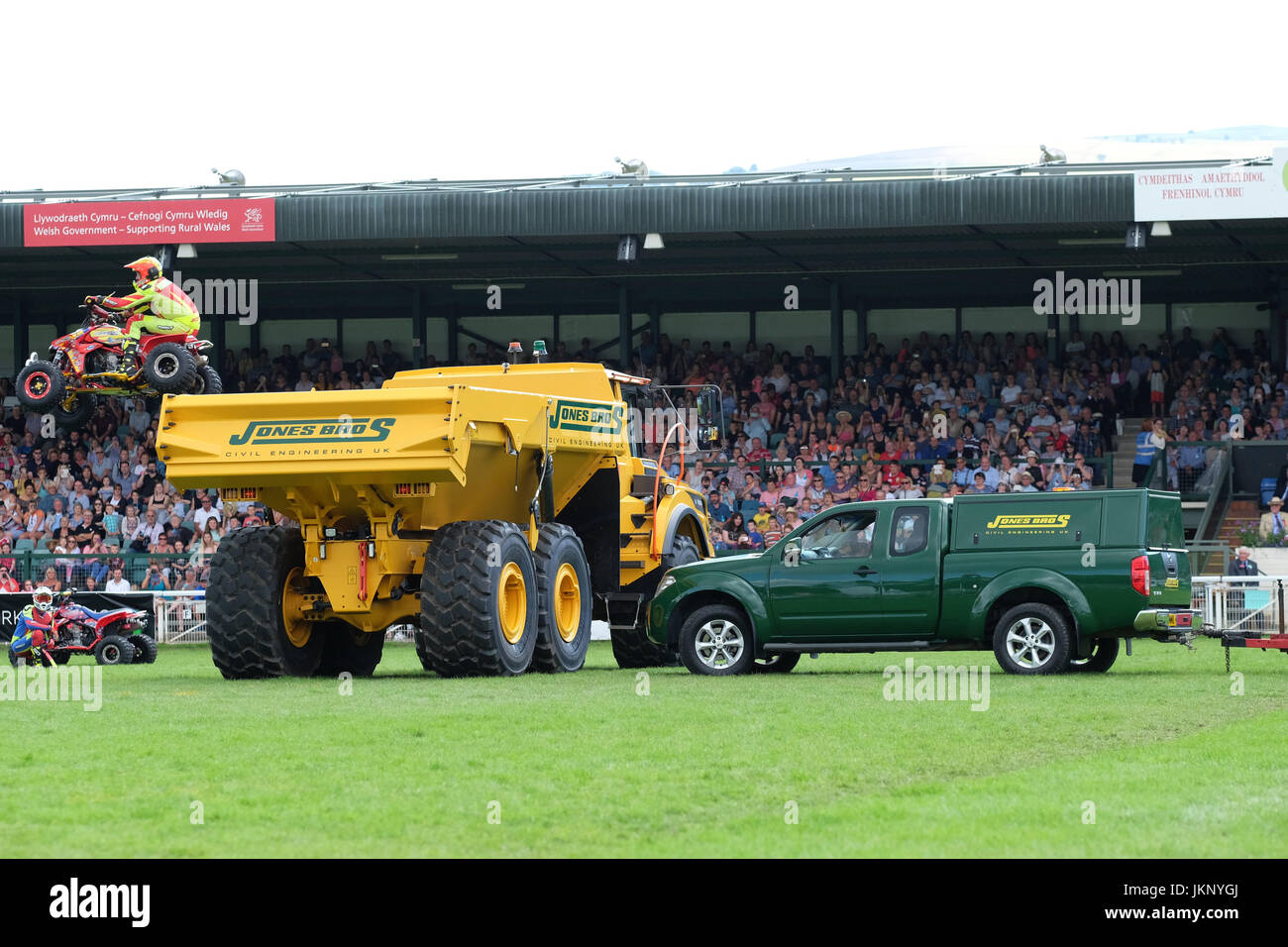 Royal Welsh Show - Monday 24th July 2017 - The Kangaroo Kid motorcycle stuntman is too low as he tries to jump a - Stock Image