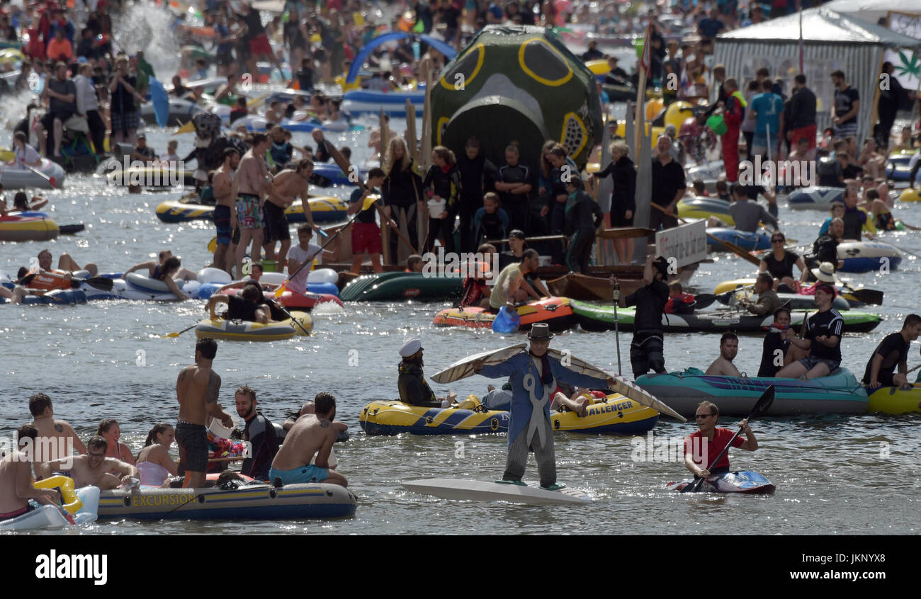 Ulm, Germany. 24th July, 2017. The 'Nabada' waterborne procession, the highlight of Ulm's traditional - Stock Image