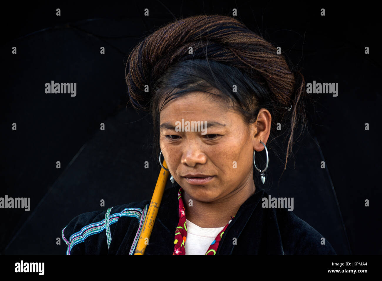Portrait of a H'mong tribe woman Sapa Valley Vietnam - Stock Image