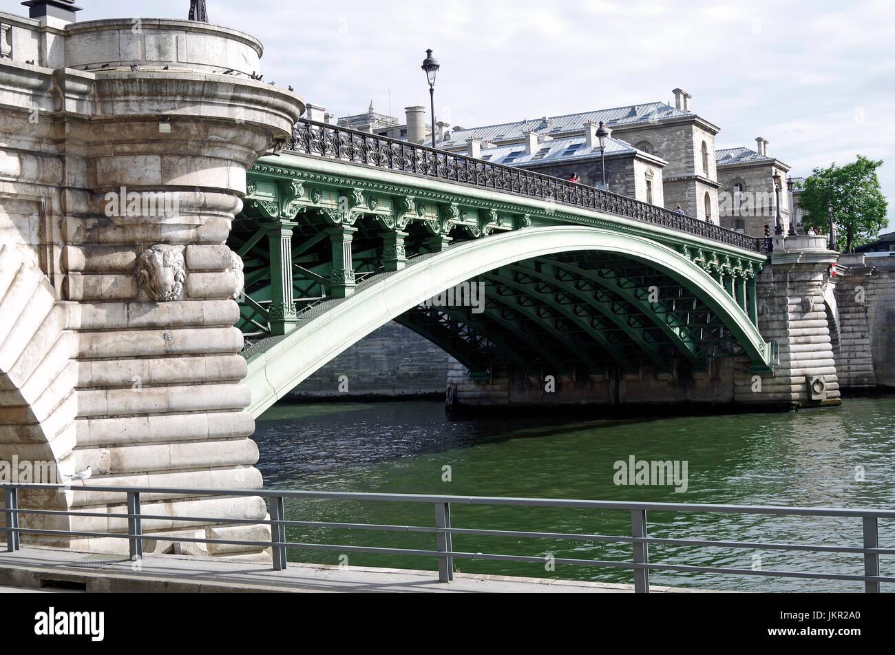 Paris, France, Pont Notre Dame, over the river Seine, linking the Right Bank at Quai de Gesvres to Ile de la Cité, Stock Photo