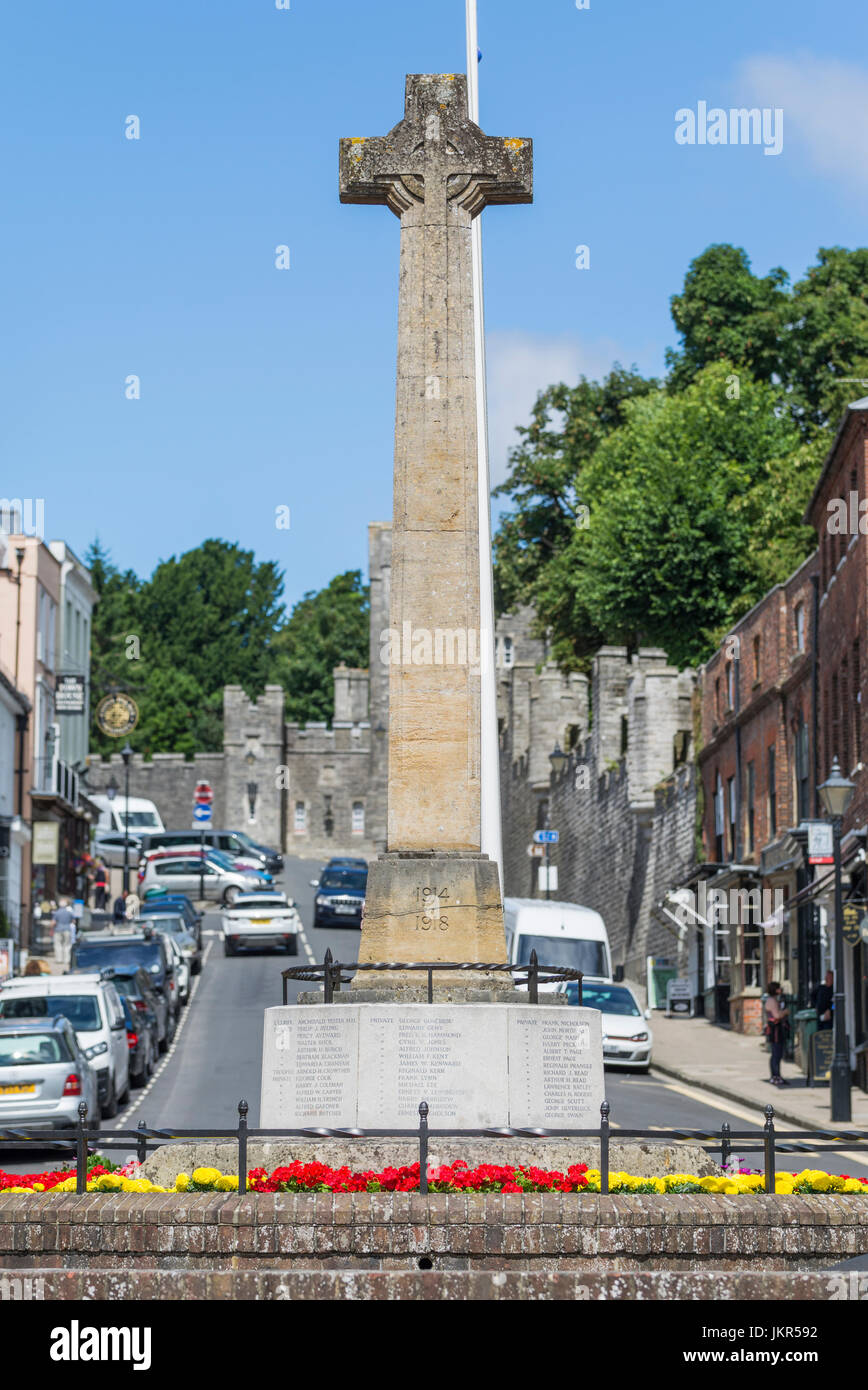 WWI and WWII war memorial in the High Street in Arundel, West Sussex, England, UK. - Stock Image