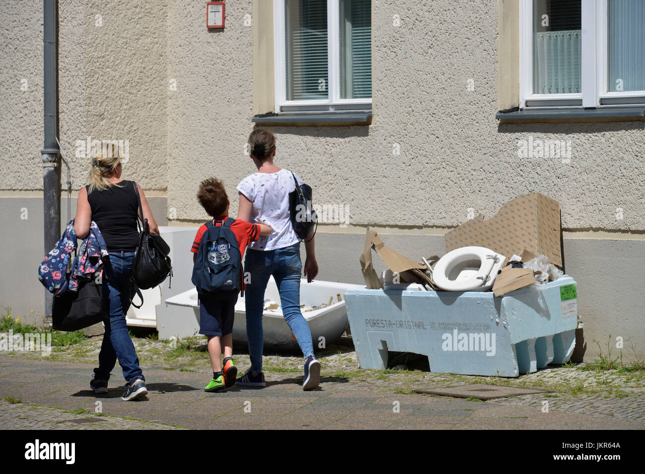 Bulky refuse, African street, Wedding, middle, Berlin, Germany, Sperrmuell, Afrikanische Strasse, Mitte, Deutschland - Stock Image