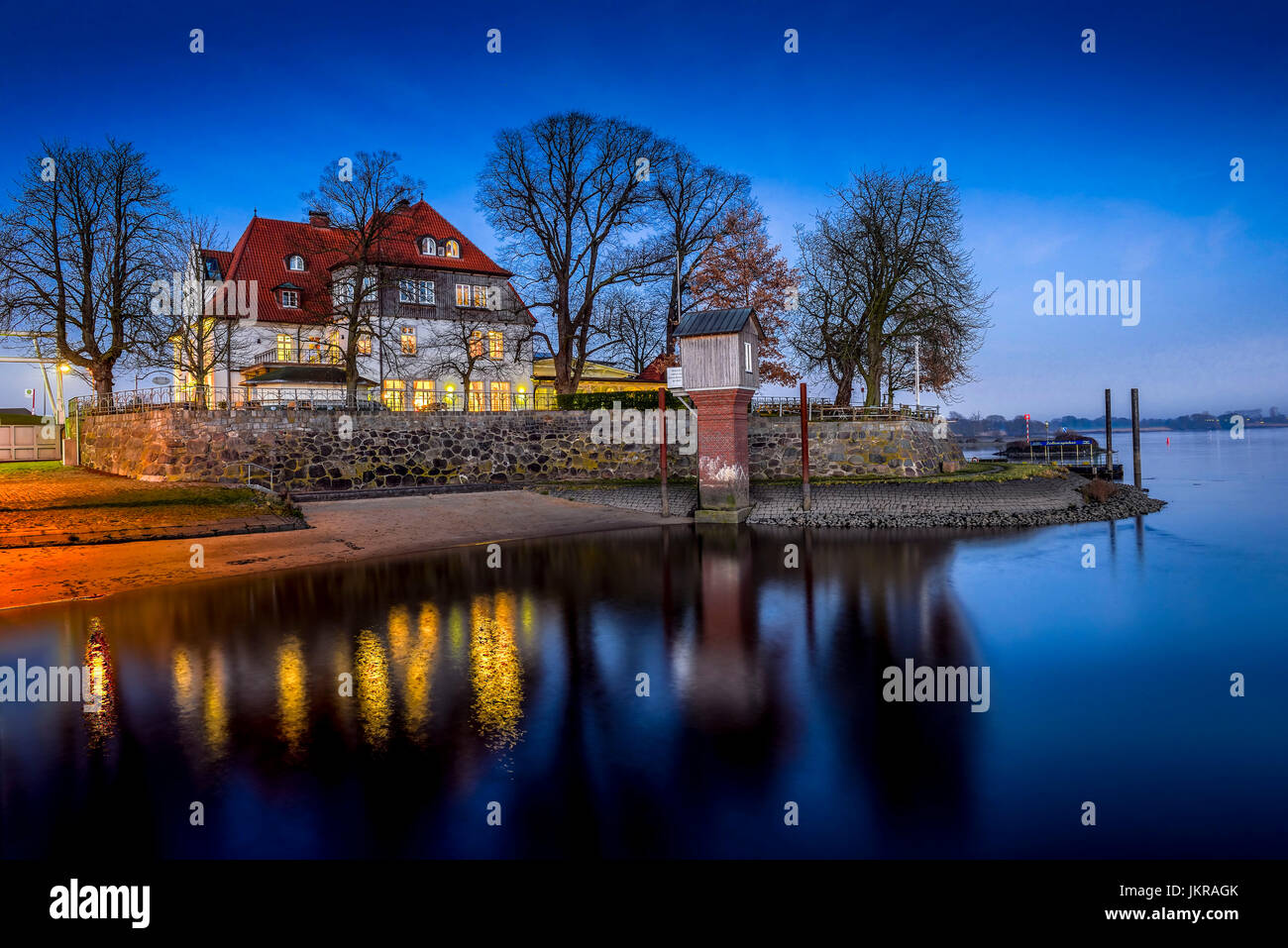 Zollenspieker ferry boat-house on the Elbe in Kirchwerder, 4 and marshy land, Hamburg, Germany, Europe, Zollenspieker - Stock Image