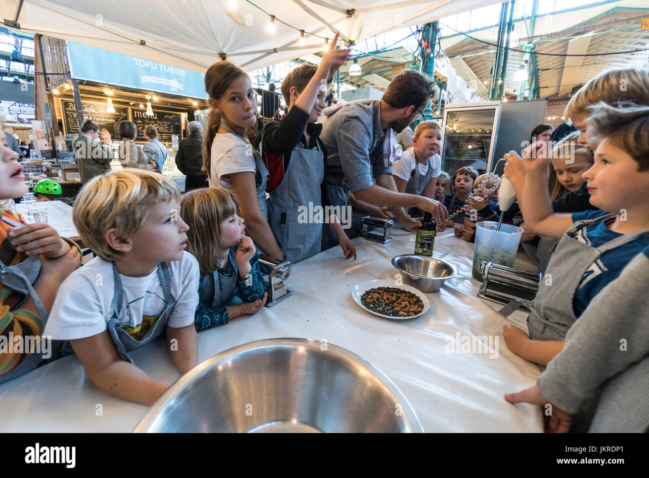 Markthalle 9, Food workshop with kids, Kreuzberg, SO 36, Berlin - Stock Image