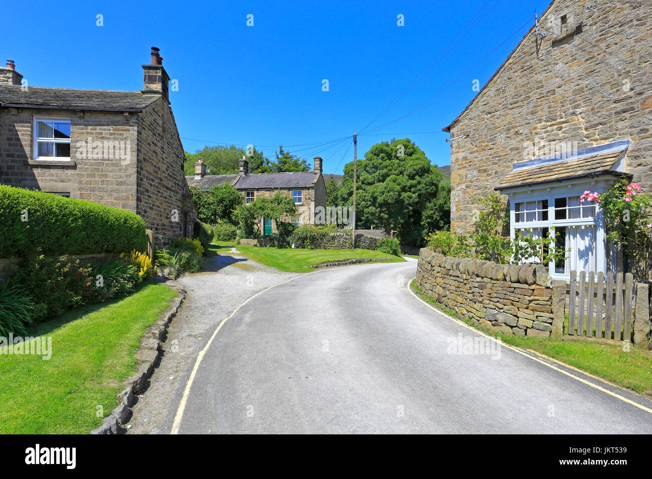 Edale, the start of the Pennine Way, Derbyshire, Peak District National Park, England, UK. - Stock Image