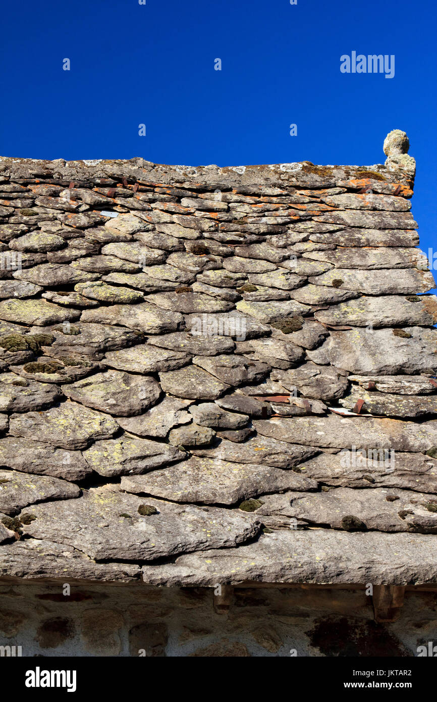 Maison Toit De France france, cantal (15), saint-hippolyte, toit de lauzes de