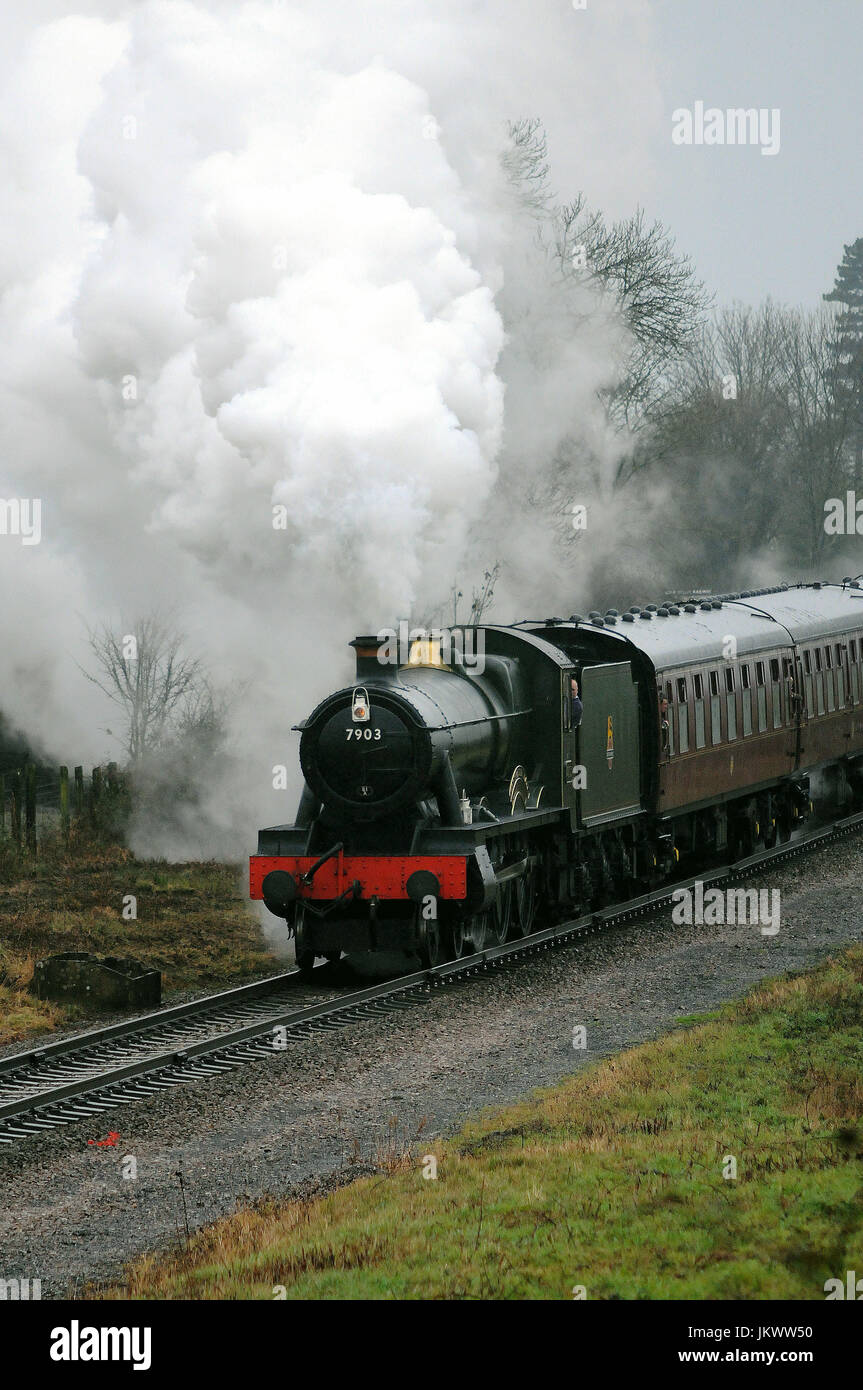 'Foremarke Hall' with a Toddington - Cheltenham Racecourse train near Gretton. Gloucestershire Warwickshire - Stock Image