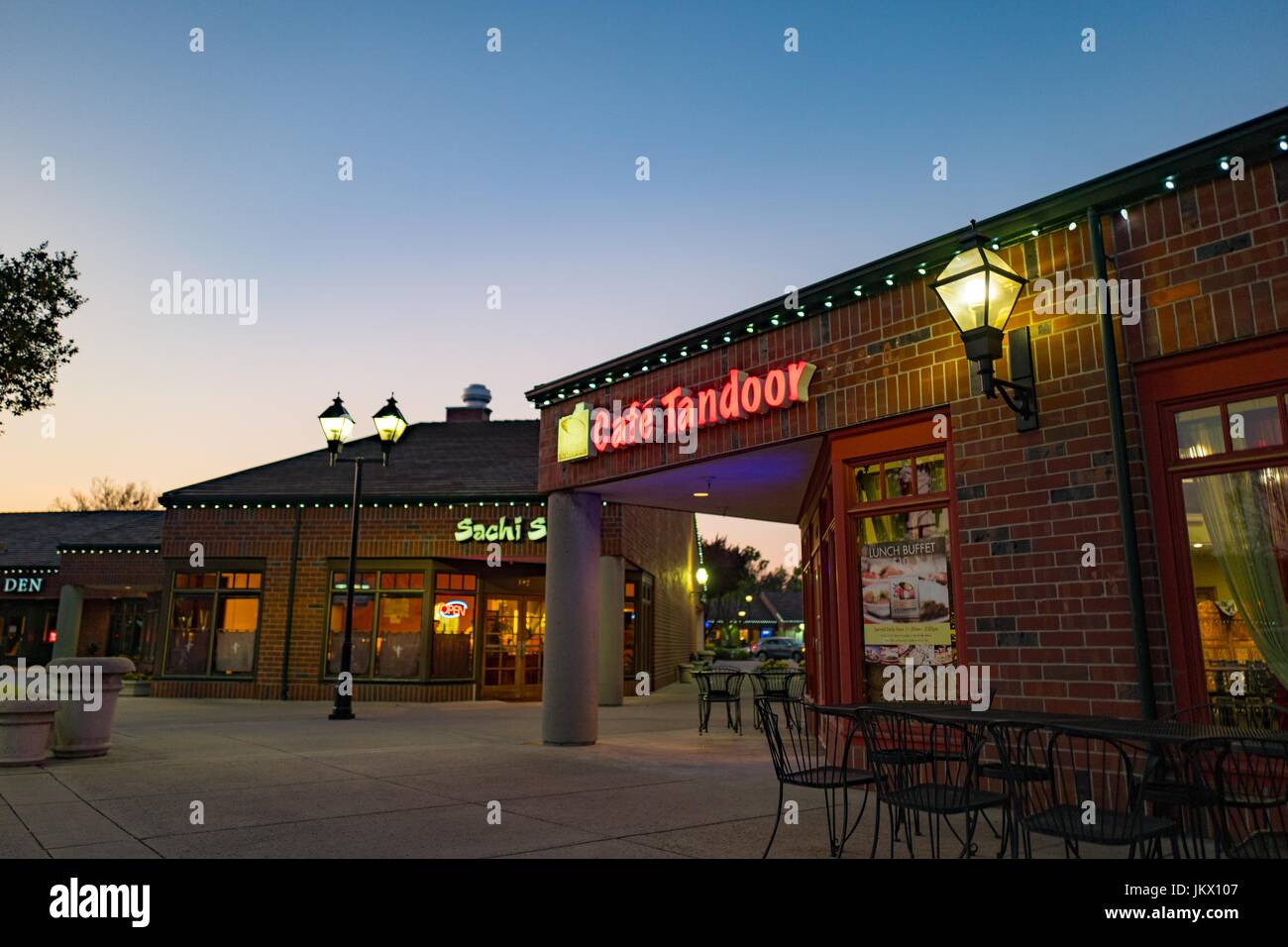 Cafe Tandoor, an Indian restaurant in Sam Ramon, California, at night, March 30, 2017. Southeast Asian immigrants, - Stock Image