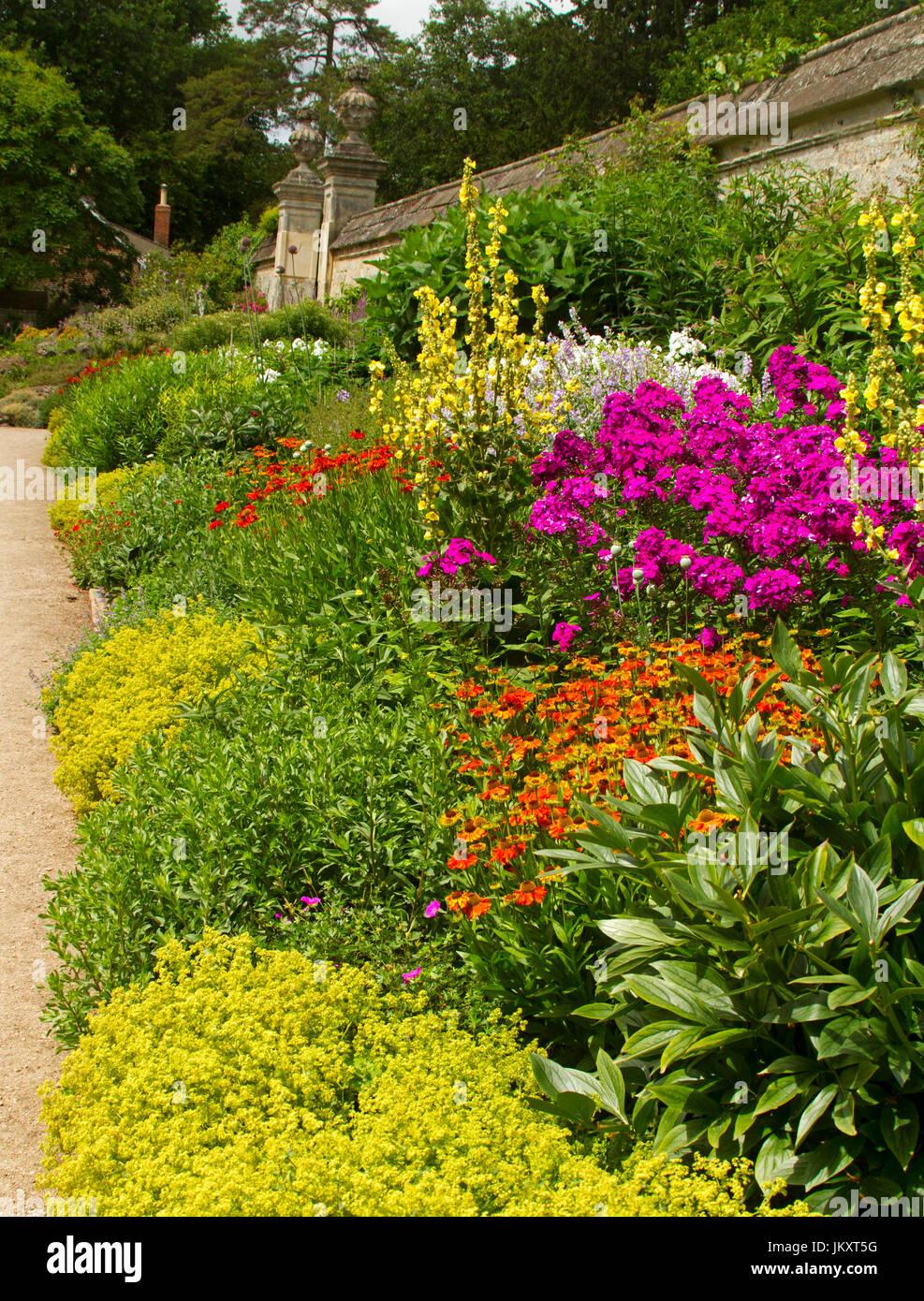 Cottage Garden Of Summer Flowering Perennials At Oxford Botanic